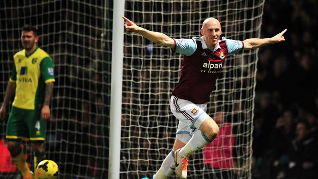 Premier League - West Ham late show piles misery on Norwich
