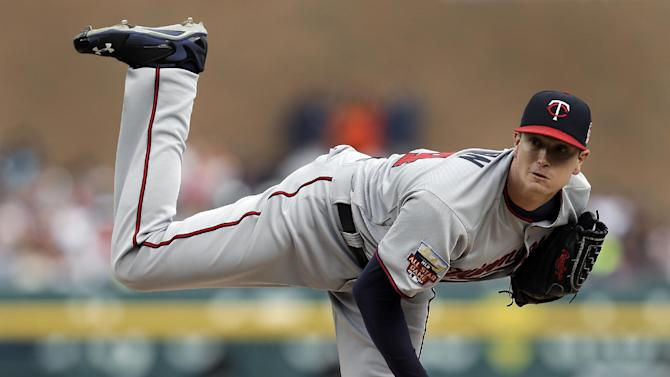 Twins beat AL Central-leading Tigers 2-0