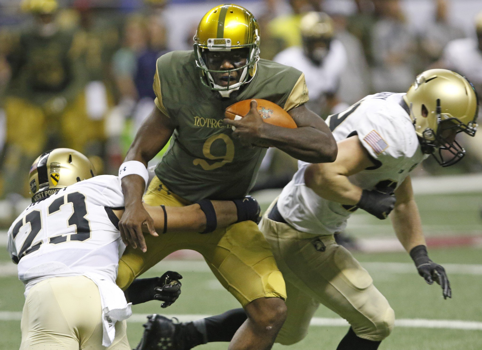 Malik Zaire split time with DeShone Kizer in Notre Dame's season-opening loss to Texas. (Getty)