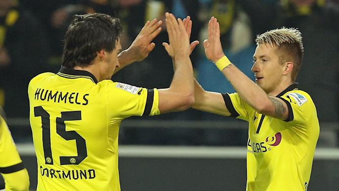 Bundesliga - Keeping Reus and Hummels could save struggling Dortmund's vague top-four hopes