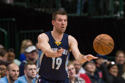 NBA offseason news 2015: Grizzlies pick up option on Beno Udrih