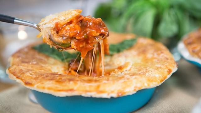 This Pizza Pot Pie Is Like Personal-Size Deep Dish