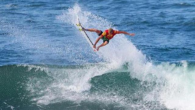 Surfing - Zietz wins Reef Hawaiian Pro, qualifies for 2013 tour