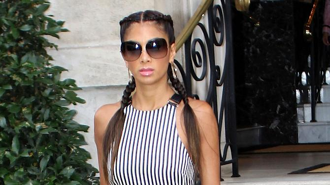 Exclusive... Nicole Scherzinger Steps Out In Stripes