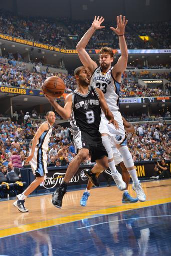 Spurs advance to Finals, sweep Grizzlies 93-86