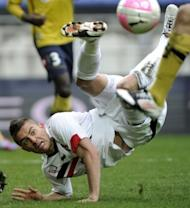 Nice's French forward Anthony Mounier tries to kick the ball during the French L1 football Sochaux vs Nice, in Montbeliard, eastern France. Sochaux's 2-0 victory against fellow strugglers Nice sent Auxerre to the bottom of the pile and cost manager Laurent Fournier his job
