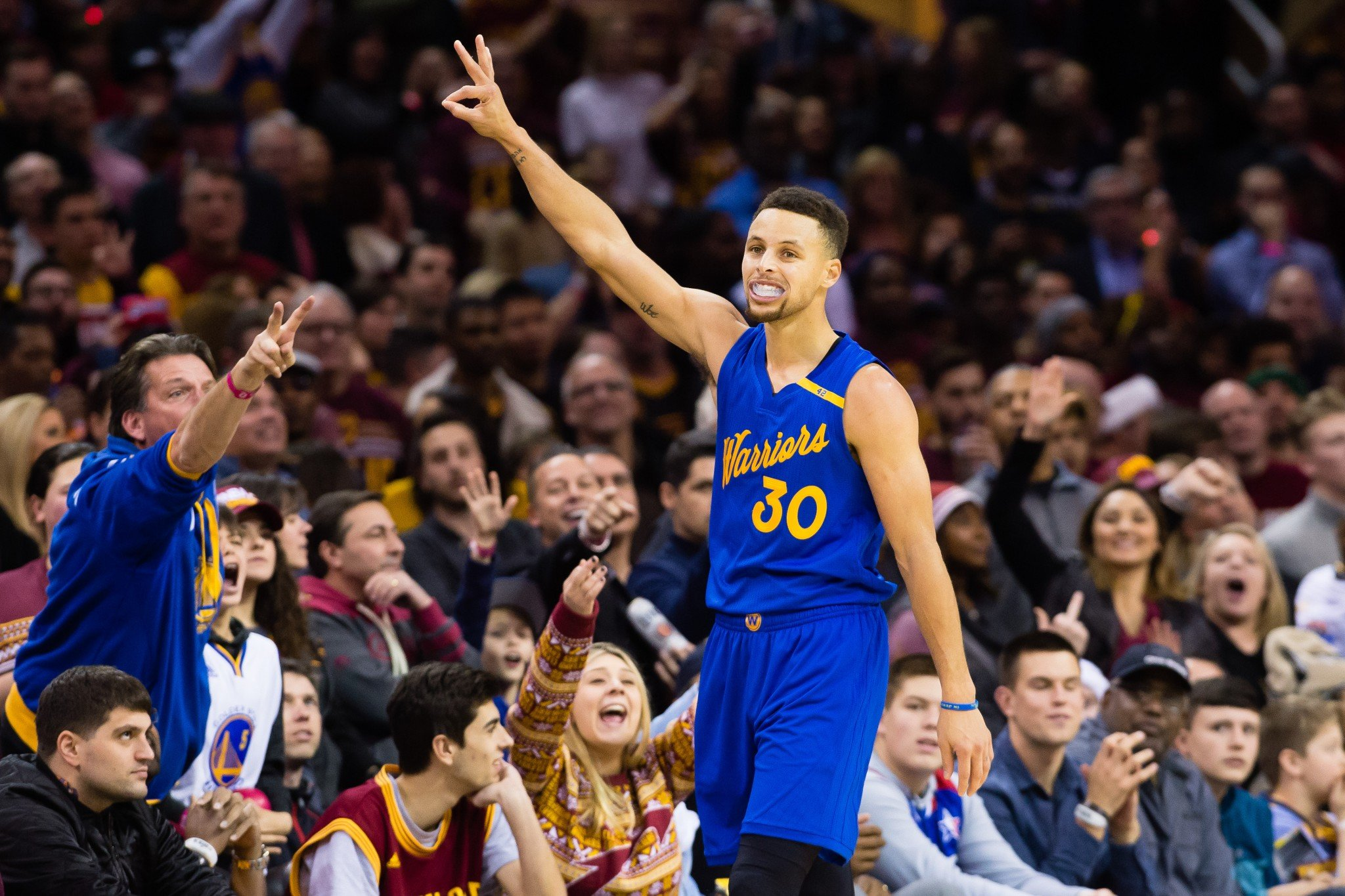 Stephen Curry shows us all the magic number. (Getty Images)