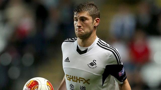 Premier League - Swansea's Davies out for up to a month