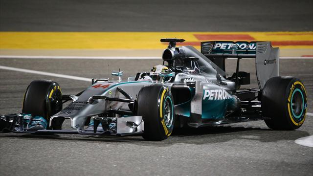 Formula 1 - Hamilton keeps Mercedes on top in test