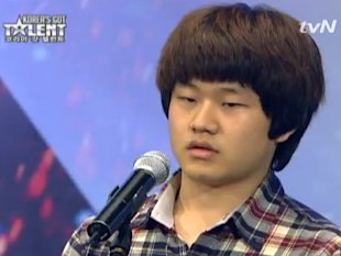Choi Sung Bong joins Korea's Got Talent and wows the judges and audience. (Yahoo! photo)