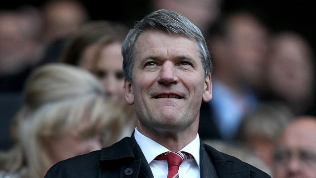 Premier League - Gill to step down from United role