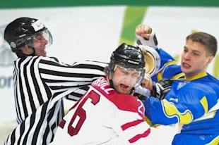 Canada blanks the Ukraine 11-0 at the Universiade in Italy - Photo by Federico Modica