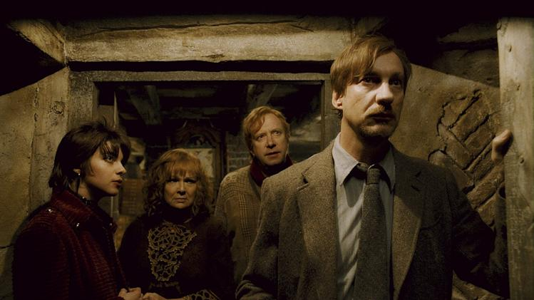 Harry Potter and the Half Blood Prince Production Photos Warner Brothers 2009 Natalia Tena Julie Walters Mark Williams David Thewlis