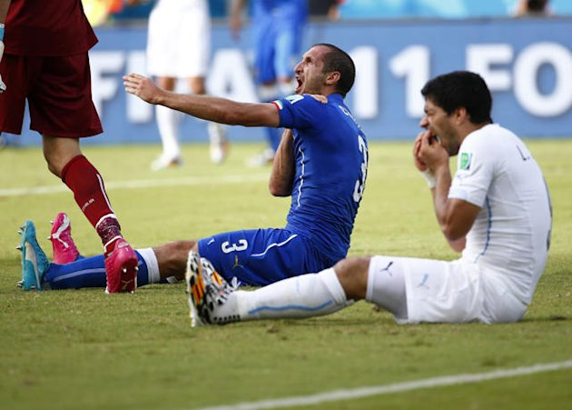 Suarez bite leads to amusing recreation on Subbuteo pitch