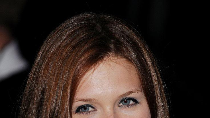 The Imaginarium Of Doctor Parnassus UK Premiere 2009 Bonnie Wright