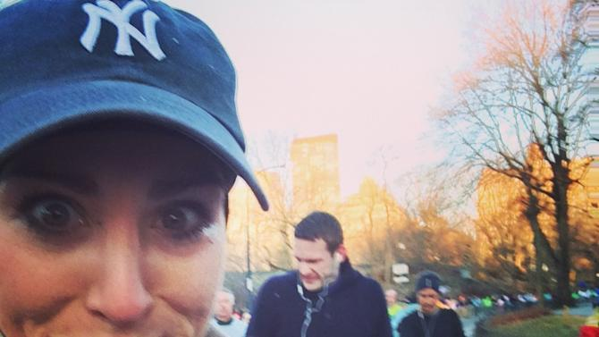 Woman Takes Selfies of Hot Men While Running Half-Marathon