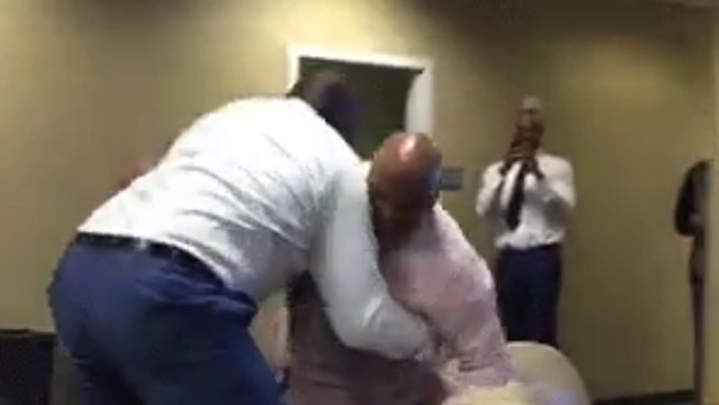 Shaq and Charles Barkley Got Into a Wrestling Match, and It Was Terrifying