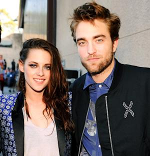 Robert Pattinson Reunites With Kristen Stewart, Visits Her at Home?
