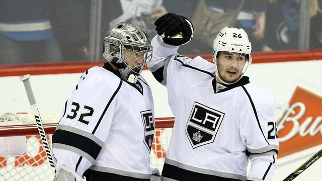 Ice Hockey - Kings in dominant road win over Jets