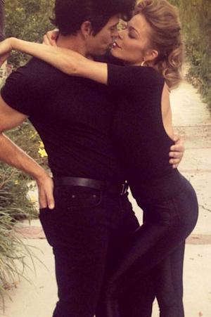 """PICTURES: LeAnn Rimes Dresses as """"Sandy"""" From Grease Days After Superstorm"""