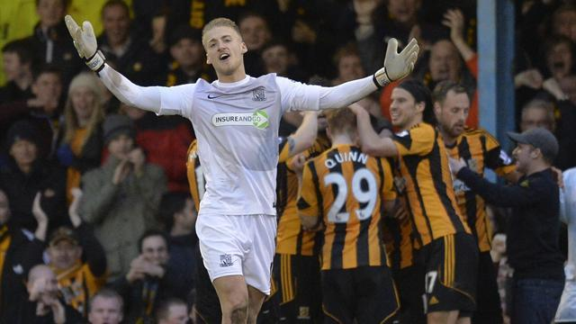 FA Cup - Fryatt double downs Southend as Hull go through