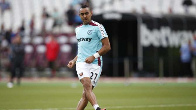 West Ham United's Dimitri Payet warms up before the match
