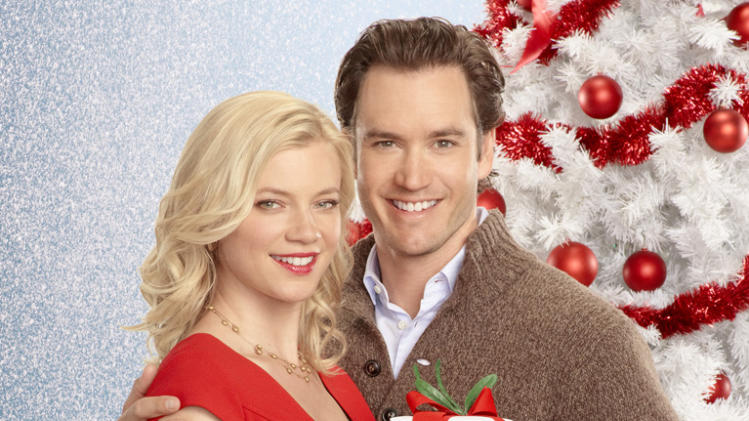 """12 Dates of Christmas"" on ABC Family Friday, 12/7 at midnight"