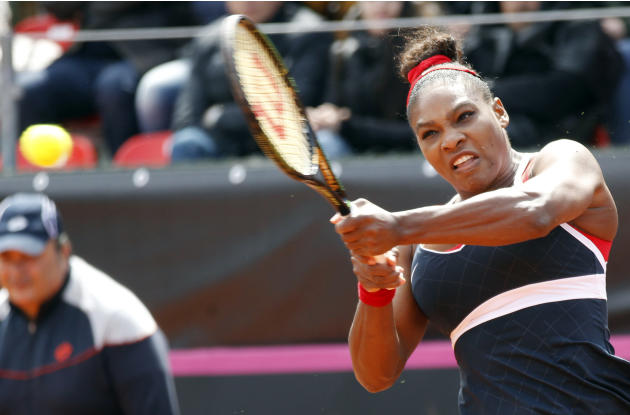 Serena Williams overcomes the wind and Errani in Fed Cup