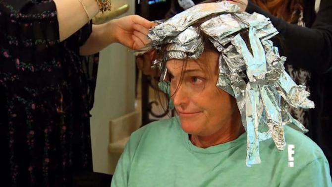 See Bruce Jenner Get Highlights, Annoyed With Kris Jenner