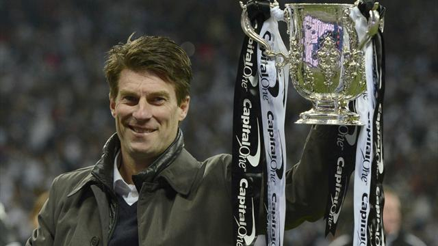 Premier League - Laudrup extends deal as Swansea manager