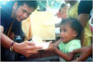 Filipinos who complain about having only two arms yet being expected to do so much should meet Gerry Gamez, a one-armed man who actively promotes patriotism, constantly volunteers for community service and has built two classrooms in his hometown.