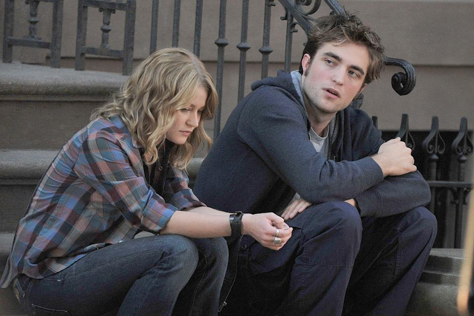 Stars on the Set 2009 Robert Pattinson Emilie de Ravin