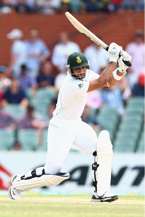 ADELAIDE, AUSTRALIA - NOVEMBER 23:  Alviro Petersen of South Africa bats during day two of the Second Test match between Australia and South Africa at Adelaide Oval on November 23, 2012 in Adelaide, A