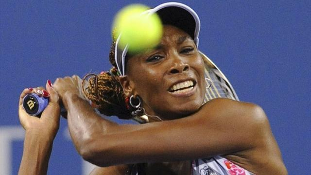 Tennis - Venus ousted in Brazil semis