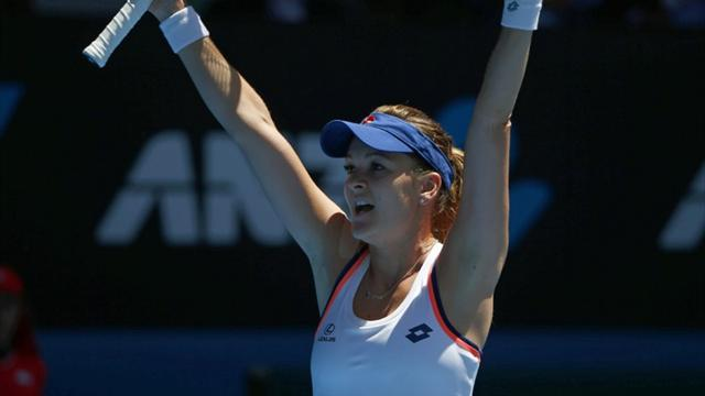 Australian Open - Radwanska knocks out defending champion Azarenka