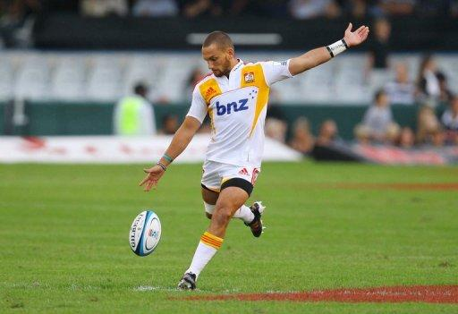 Six teams chase four 'Super Rugby' playoff spots