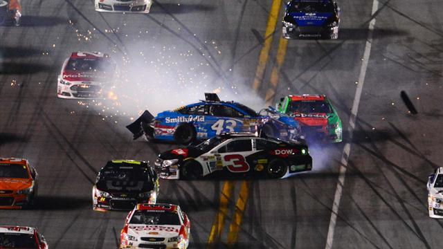 Motorsports - Earnhardt Jr wins Daytona 500 among wet crash mayhem