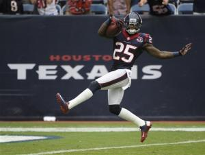 Texans beat Titans 38-14, improve to 4-0