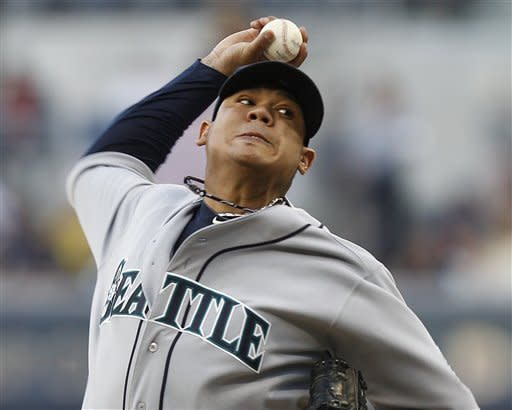 Hernandez impressive in Mariners' win over Padres