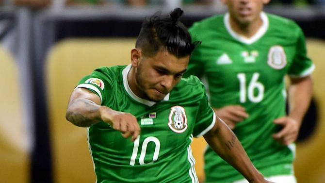 Mexico makes two more injury switches for World Cup qualification