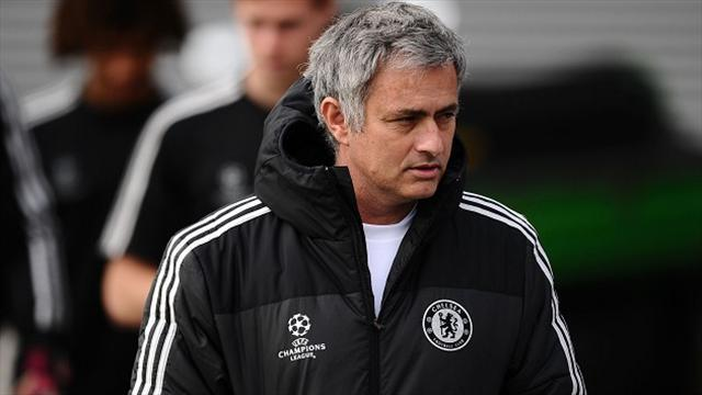 Premier League - Mourinho: Ref could cost us title