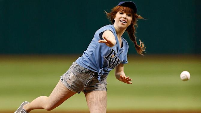 See Carly Rae Jepsen's Worst First Pitch Ever