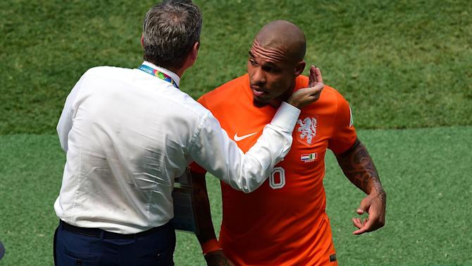World Cup - De Jong's tournament over due to injury