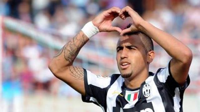 Serie A - Vidal admired in Italy, under fire in Chile