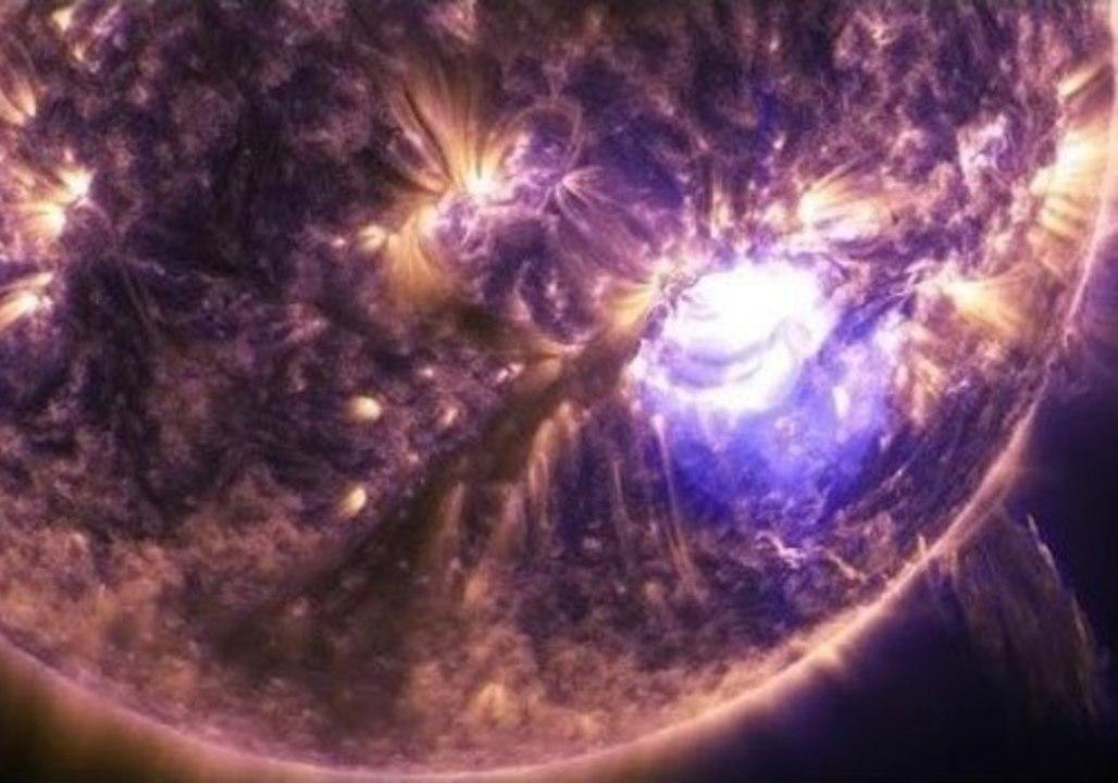 Powerful NASA video shows solar flare up close