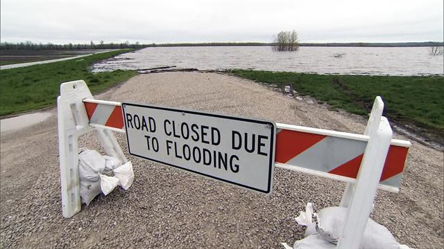 Fighting floods in the Midwest