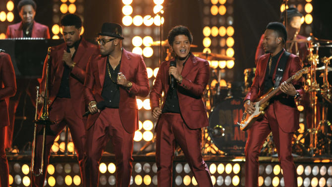 Bruno Mars, third from left, performs at the Billboard Music Awards at the MGM Grand Garden Arena on Sunday, May 19, 2013 in Las Vegas. (Photo by Chris Pizzello/Invision/AP)