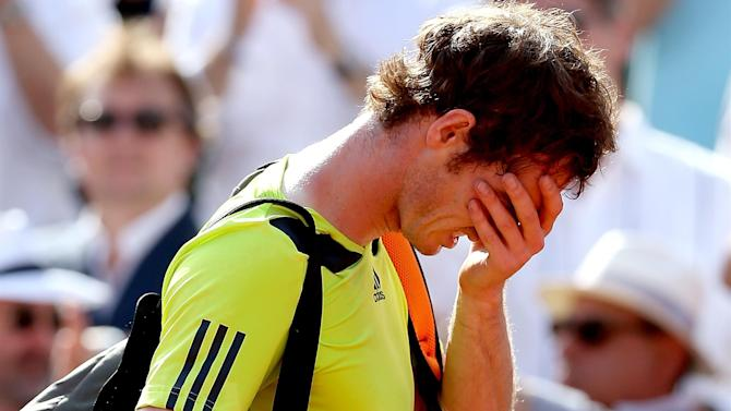 Tennis - Defending champion Murray crashes out at Queen's