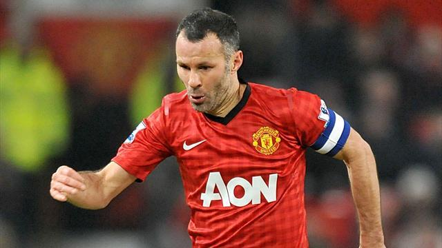 Premier League - Ferguson: Giggs will be playing at 41