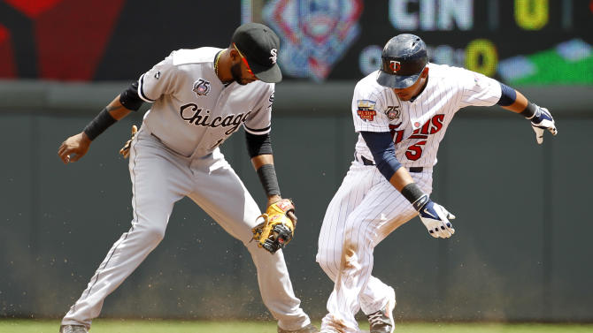 Fuld's 2-run single lifts Twins over White Sox 4-3
